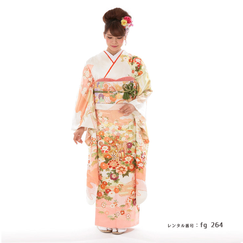 吉澤友禅の振袖を着た女性